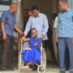 Majaliwa amkabidhi binti mwenye ulemavu nyumba, milioni 18